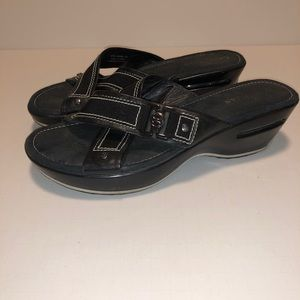 Ladies Nike Air sandals